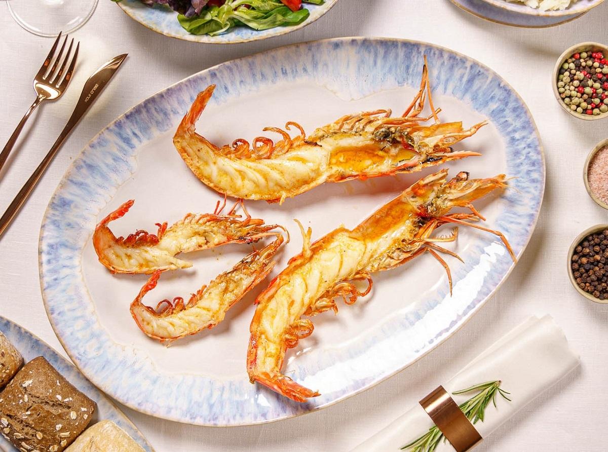 creveti jumbo dancing lobster